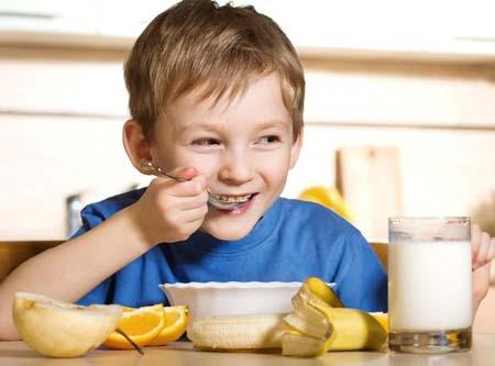 Cách trị trẻ biếng ăn hiệu quả
